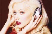 Τι τρέχει με την Aguilera και την GaGa?