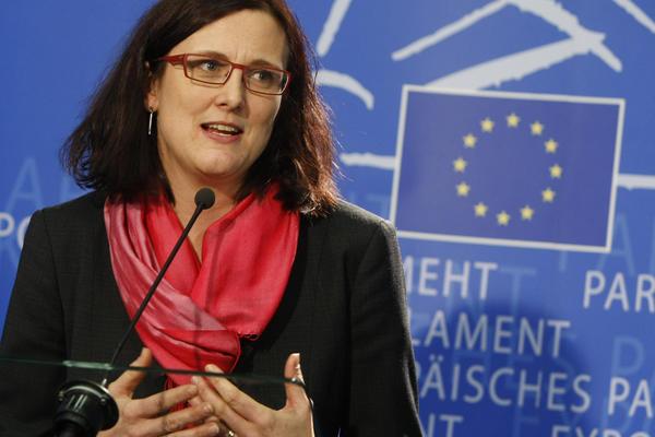 Εύσημα της επιτρόπου της Ε.Ε. Σεσίλια Μάλμστρομ στην Ελλάδα για τη διαχείριση του μεταναστευτικού