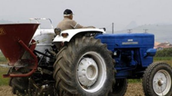 Την επαναφορά επιστροφής ΕΦΚ στο αγροτικό πετρέλαιο μελετά η κυβέρνηση