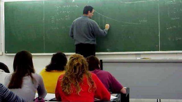 Μόνιμους διορισμούς 15.000 εκπαιδευτικών ανακοίνωσε ο Γαβρόγλου