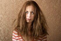 Αντιμετωπίστε το φριζάρισμα των μαλλιών