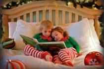 Μπείτε στο κλίμα των Χριστουγέννων διαβάζοντας ένα βιβλίο με τα παιδιά σας