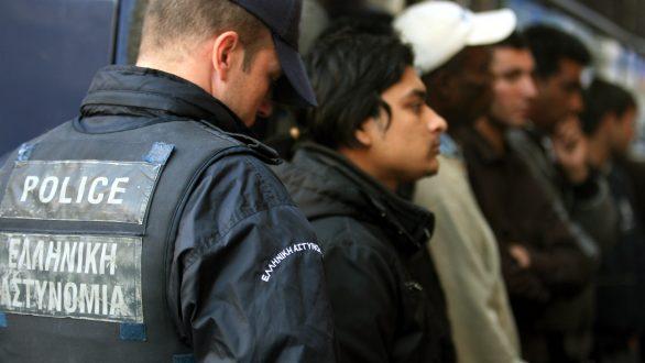 Βόζεμπεργκ: Κατεπείγουσα ερώτηση στην Κομισιόν για τις αθρόες αφίξεις μεταναστών στον Έβρο