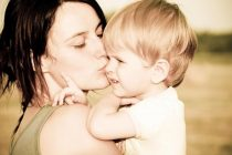 Την Πέμπτη πληρώνονται τα 1.000 ευρώ στις αγρότισσες πολύτεκνες μητέρες