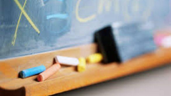 Υπουργείο Παιδείας: Ανοίγουν τη Δευτέρα δημοτικά και νηπιαγωγεία