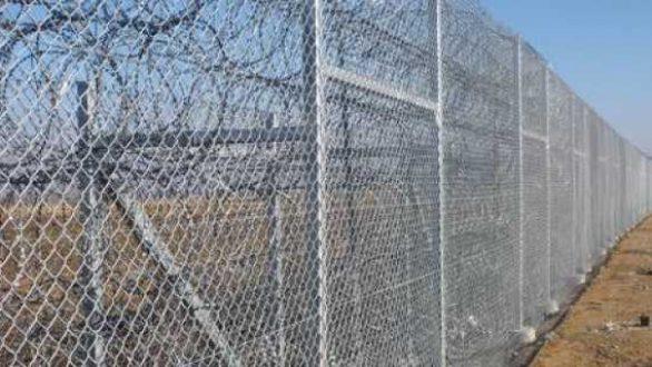 Φωταγωγούνται τα σύνορα στον Έβρο