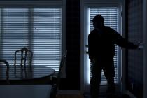 Αλεξανδρούπολη: Νεαρός διαρρήκτης έκλεψε 460€ από δωμάτιο ξενοδοχείου