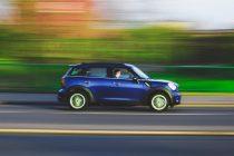 Γκάζια τέλος: Υποχρεωτικά κόφτης ταχύτητας σε όλα τα αυτοκίνητα από το 2022