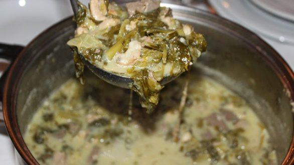 Μαγειρίτσα με αρνίσια συκωταριά