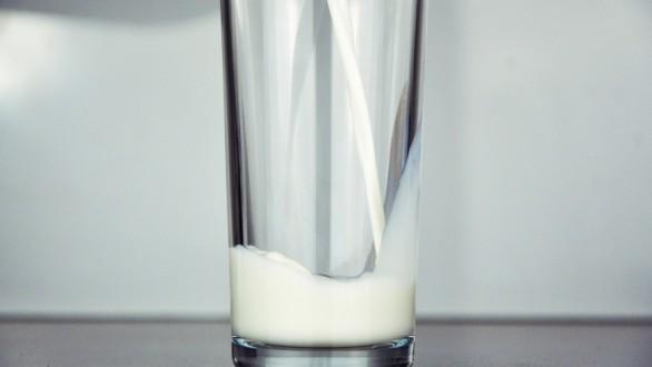 Τέσσερις τρόποι να χρησιμοποιήσετε το ληγμένο γάλα