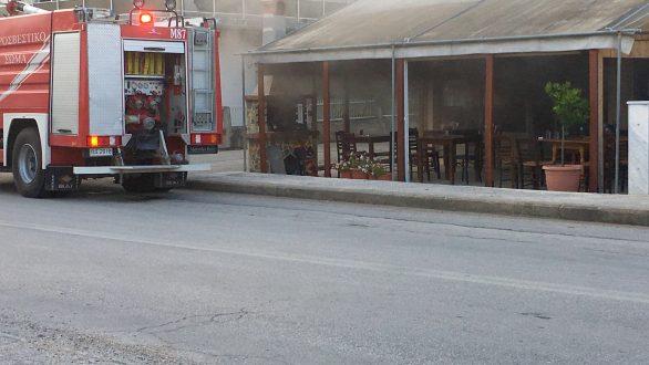 Φωτιά σε κατάστημα στον Πύργο