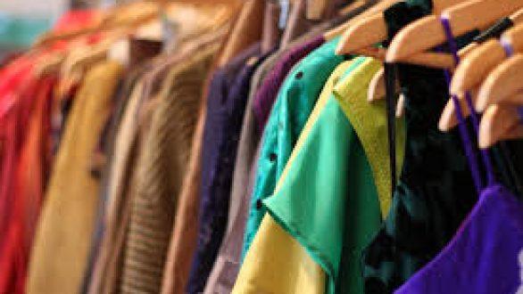 be9cd454f03 Τι να κάνετε τα παλιά σας ρούχα