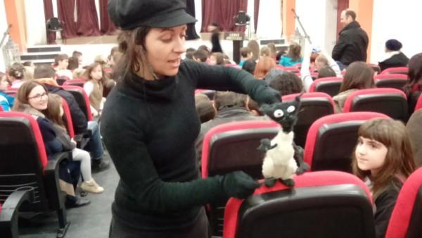 Φωτογραφία είναι από την τελευταία επίσκεψη της Κικής Μαλτσάκη στη Ν.Ορεστιάδα,με τον Μαθητευόμενο μάγο