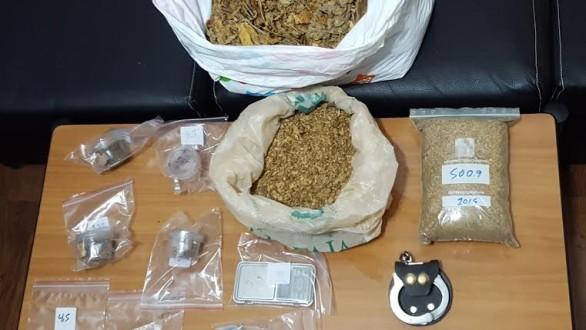 Συνελήφθη 33χρονος για λαθρεμπόριο, ναρκωτικά και όπλα στην Αλεξανδρούπολη