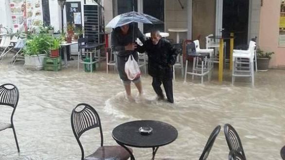 Πλημμυρικά φαινόμενα αυτήν την στιγμή στο Διδυμότειχο