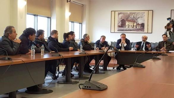 """""""Μπήκαν τα θεμέλια"""" για την επιτροπή διαβούλευσης του κλάδου των καταστηματαρχών σίτισης και εστίασης"""