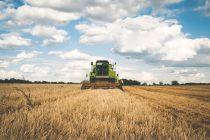 Διευκολύνσεις από την Κομισιόν για τους αγρότες