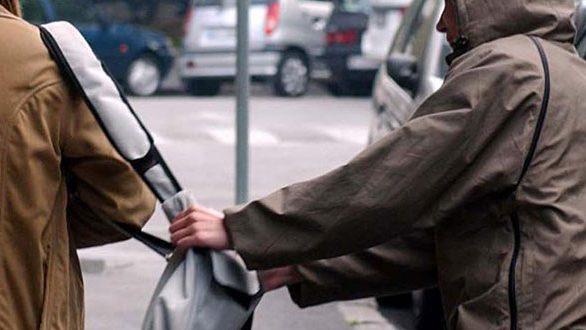 """Οι αρχές αναζητούν επίδοξο """"τσαντάκια"""" στην Ορεστιάδα"""