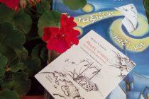 Η Δήμητρα Πυργελή μας προσκαλεί να ταξιδέψουμε μαζί της με μικρές ιστορίες για τον μεγάλο μας κόσμο…