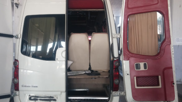 Κήποι: Τούρκος οδηγός μετέφερε έξι άτομα σε κρύπτη λεωφορείου