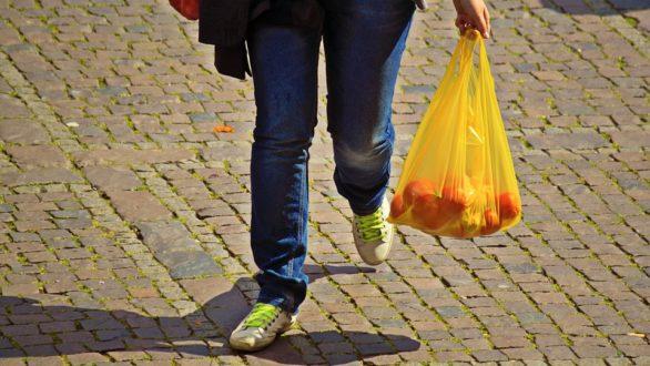 Τέλος στις πλαστικές σακούλες στην Ελλάδα βάζει νέα ΚΥΑ