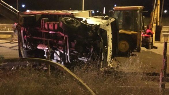 Ανατροπή φορτηγού στο Βόρειο Κόμβο της Ορεστιάδας
