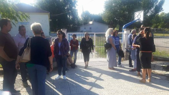 Κατάληψη στο Δημοτικό σχολείο Λεπτής από τους γονείς