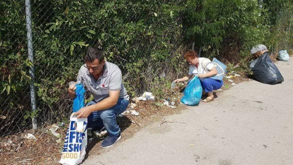 Τούρκοι πολίτες καθάρισαν το δρόμο ανάμεσα στα ελληνοτουρκικά σύνορα