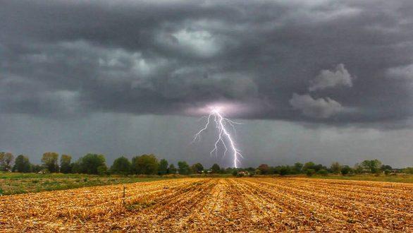 Καιρός: Προειδοποιεί η ΕΜΥ με έκτακτο δελτίο για καταιγίδες και χαλαζοπτώσεις