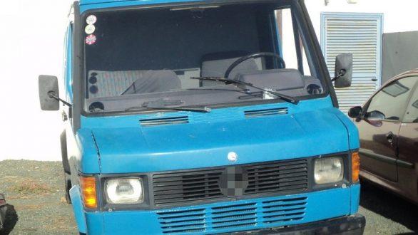 Φέρες: 42χρονος μετέφερε πέντε άτομα σε καρότσα φορτηγού
