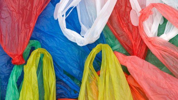 Αλλάζει η τιμή για τις πλαστικές σακούλες