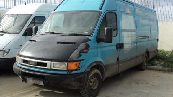 Καταδίωξη και σύλληψη Βούλγαρου διακινητή που μετέφερε 42 άτομα