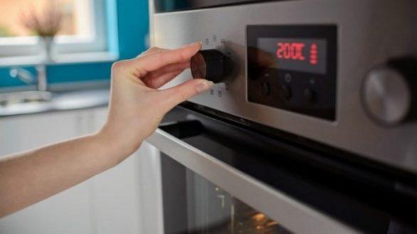 Πώς να απαλλαγείτε από τις έντονες μυρωδιές στην κουζίνα
