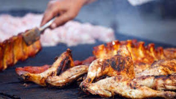 Τα μυστικά για να ψήσετε σωστά το κρέας στη σχάρα