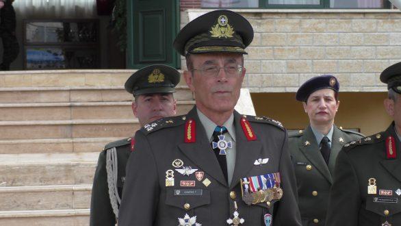 Επέστρεψε και ανέλαβε τα καθήκοντά του ο νέος αρχηγός ΓΕΣ