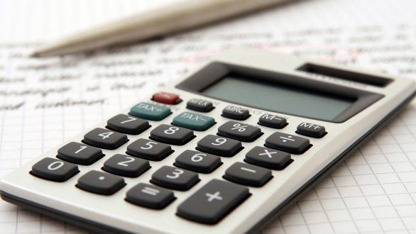 Οι νέες εισφορές για επαγγελματίες, αγρότες και μπλοκάκια