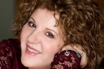 """Η Άννα Γαλανού μιλάει στο Ράδιο Έβρος και το """"Άρωμα Μελωδίας"""" για την """"Εξιλέωση""""…"""