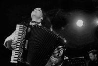 Στο Χόλιγουντ η μουσική της εβρίτισσας Ζωής Τηγανούρια
