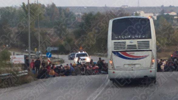 Κλειστός και πάλι! από μετανάστες ο κόμβος της Καβύλης