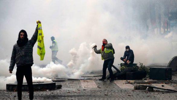 Τι είναι τα «κίτρινα γιλέκα» στην Γαλλία