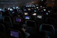 Γιατί σβήνουν τα φώτα της καμπίνας κατά την απογείωση και προσγείωση του αεροπλάνου