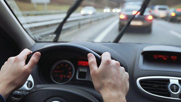 Να τι πρέπει οπωσδήποτε να κάνεις στο αυτοκίνητο τώρα με το ψύχος