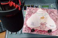 """""""Η Ελένη Τσαλδίρη με το παραμύθι της """"Η μεγάλη νίκη της Ζωής"""" στο Ράδιο Έβρος…σε μια ραδιοφωνική κουβέντα για παραμύθια,χρώματα και ζωγραφιές…"""