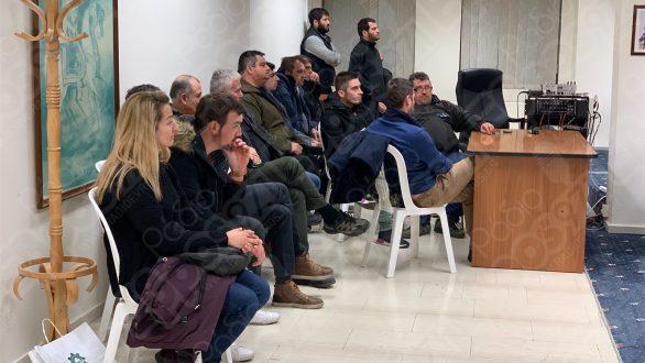 """""""Εισβολή"""" των αγροτών στο Δημοτικό Συμβούλιο Ορεστιάδας"""
