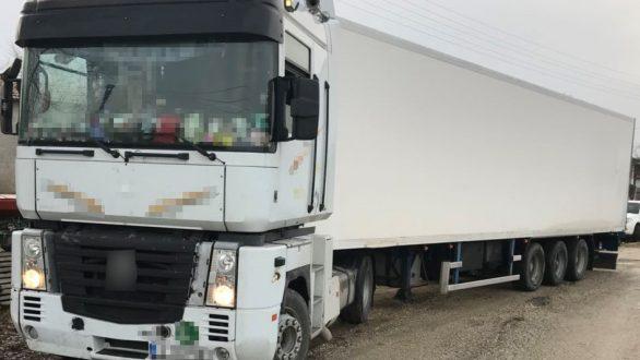 Διδυμότειχο: 22 άτομα είχαν κρύψει διακινητές σε κρύπτη φορτηγού