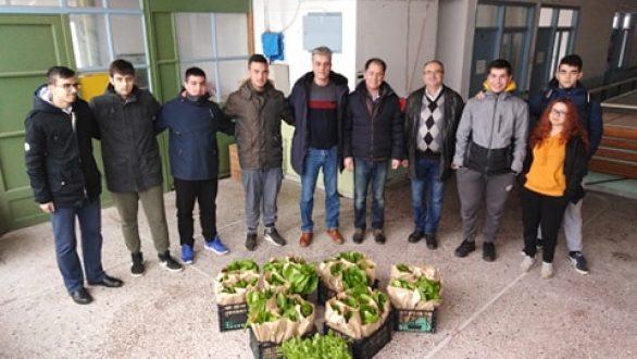 Ο Δήμαρχος Ορεστιάδας υποδέχθηκε τους μαθητές του ΕΠΑΛ Ορεστιάδας στο Κοινωνικό Παντοπωλείο του Δήμου