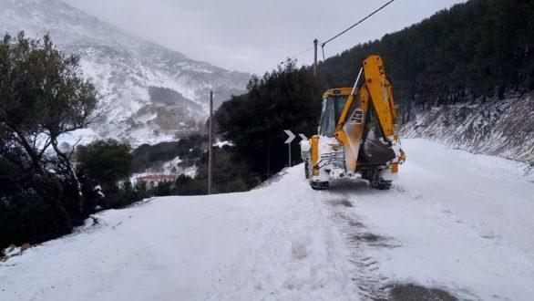 """Συνεχίζεται η κακοκαιρία """"Ωκεανίς"""" στον Έβρο – Στα 2,5 μέτρα το χιόνι στη Σαμοθράκη"""