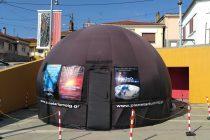 Το Φορητό Ψηφιακό Πλανητάριο ταξιδεύει στο Μουσείο Μετάξης