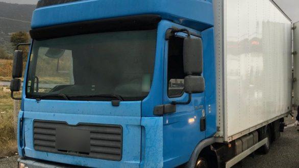 Η ανακοίνωση της αστυνομίας για το φορτηγό ψυγείο με μη νόμιμους μετανάστες που εντοπίστηκε στην Ξάνθη