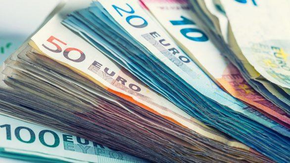 Την επόμενη εβδομάδα το 1 δισ. «επιστρεπτέας προκαταβολής» σε περίπου 90.000 επιχειρήσεις